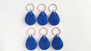 6 Blue Fobs via https://pixabay.com/en/access-control-chip-125khts-1901327/